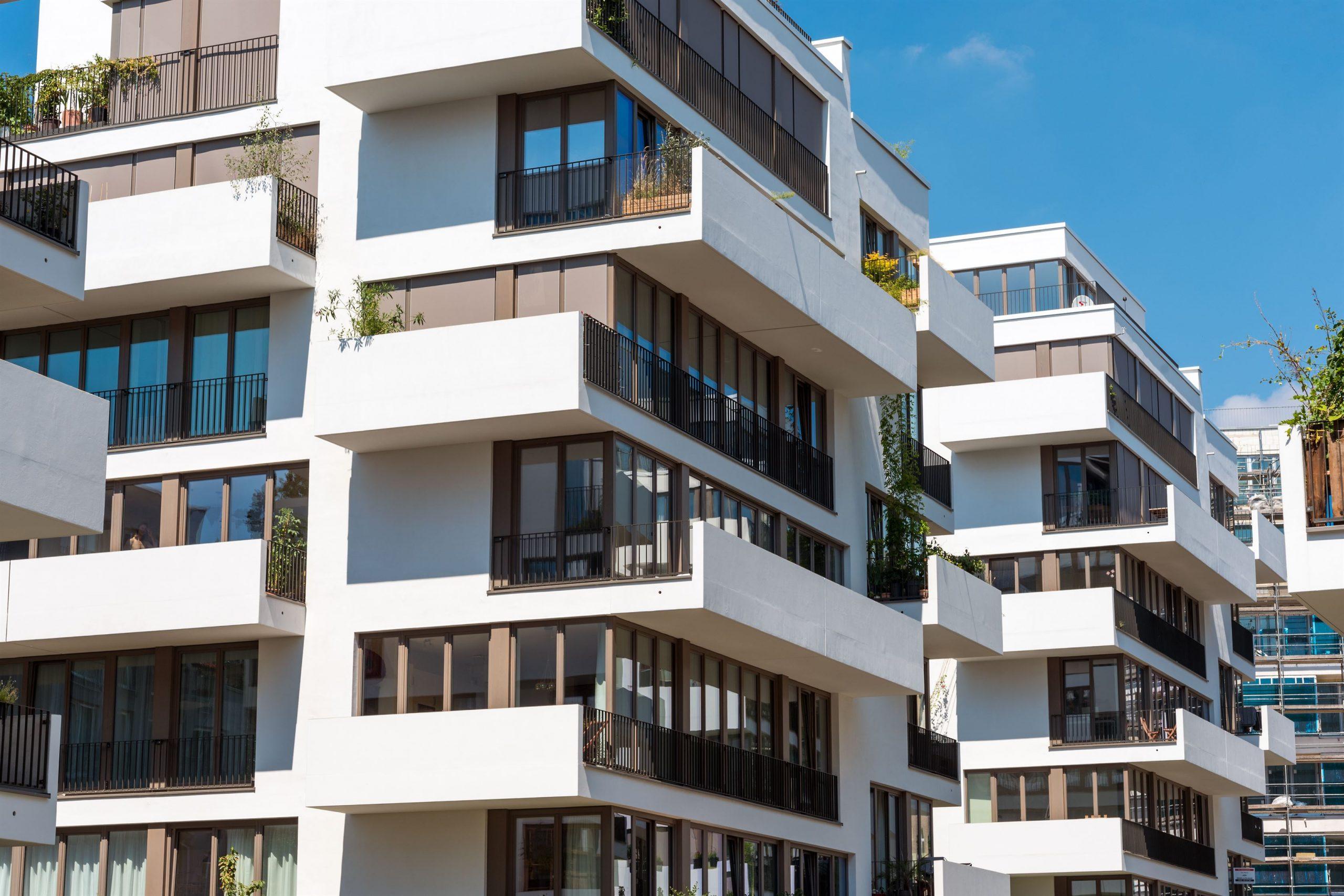 modern-blocks-of-flats-in-berlin-P47BSJL