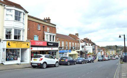 Lymington-High-Street-bottom-of-town-DSC_1610-1024x640